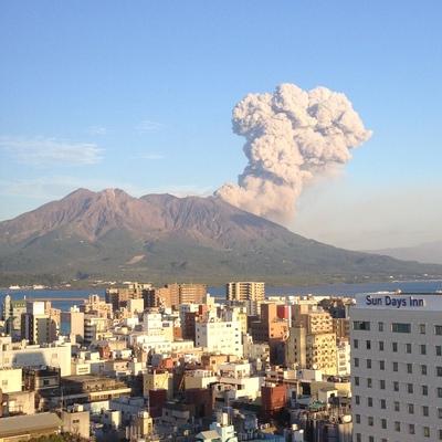 天気が良いと桜島がこんなに近くに見えます