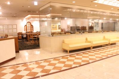 岐阜ワシントンホテルプラザ1階カフェ・ド・パリ 営業時間:11:30~14:30 ラストオーダー14:00
