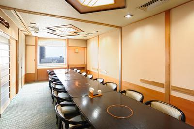 ◆洋室でのイス・テーブル個室 最大16名様までご利用頂けます。