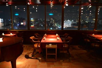 ◆入り口正面の4名掛けテーブル席(窓側)