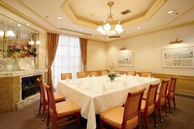 一番人気の個室「シドニー」 8名様~14名様までご利用いただけます。