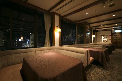 ※スカイルーム宴会場内にはゆったりくつろげるソファー席がございます。