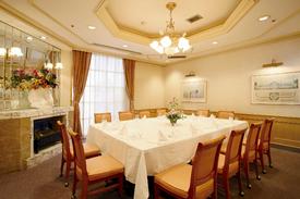 「偲ぶ席」8名様以上のご利用にて、 個室をご用意させて頂きます。