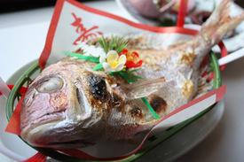 お宮参りや米寿、喜寿といったお祝い でのご予約のお客様へは、祝い焼鯛を プレゼント!