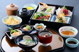 【昼限定 要予約】おもてなし御膳 一の膳・二の膳とご提供させて頂きます。