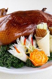 宴席を華やかに盛り上げる「北京ダック」 ※2日前迄の要予約