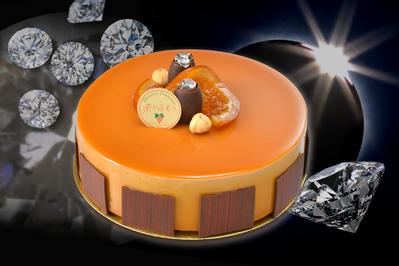 『誕生宝石ケーキ』は毎月の誕生石をイメージした ホールケーキ!お誕生日会にぴったり♪ ¥3.700(税込価格) ※宝石は毎月内容が変わります