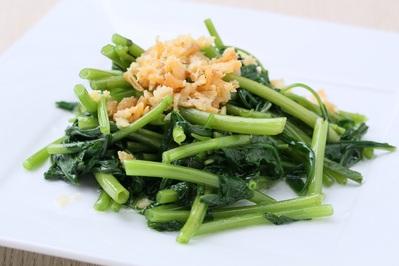 「中国野菜の台湾風炒め」 ニンニクと干し海老の香りが食欲をそそります。