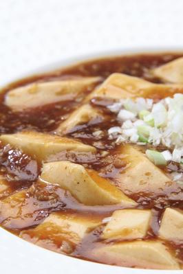 「四川風麻婆豆腐」 ピリッとした四川山椒の辛さがクセになる本格派。