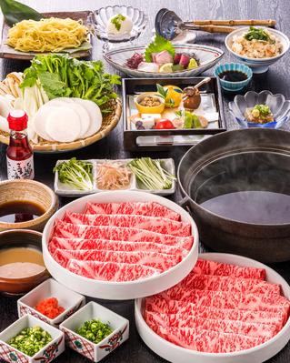 「鹿児島黒毛和牛のしゃぶしゃぶ」 三十三間堂名物のひとつであるしゃぶしゃぶ。 肉の旨みをストレートに体感できる食べ方。