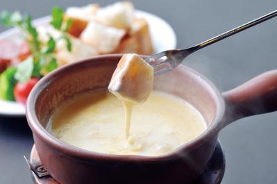 ◆看板メニュー チーズフォンデュ ガスライトと言ったらコレ!!