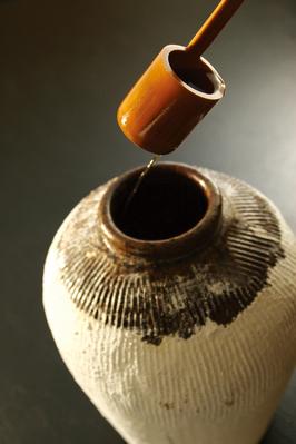 ■カメ出し紹興酒■ 香り・まろやかさが瓶詰めとは格段に違う生酒感覚の紹興酒です。