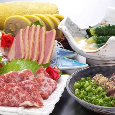 熊本の郷土、ご当地料理を取り揃えております。